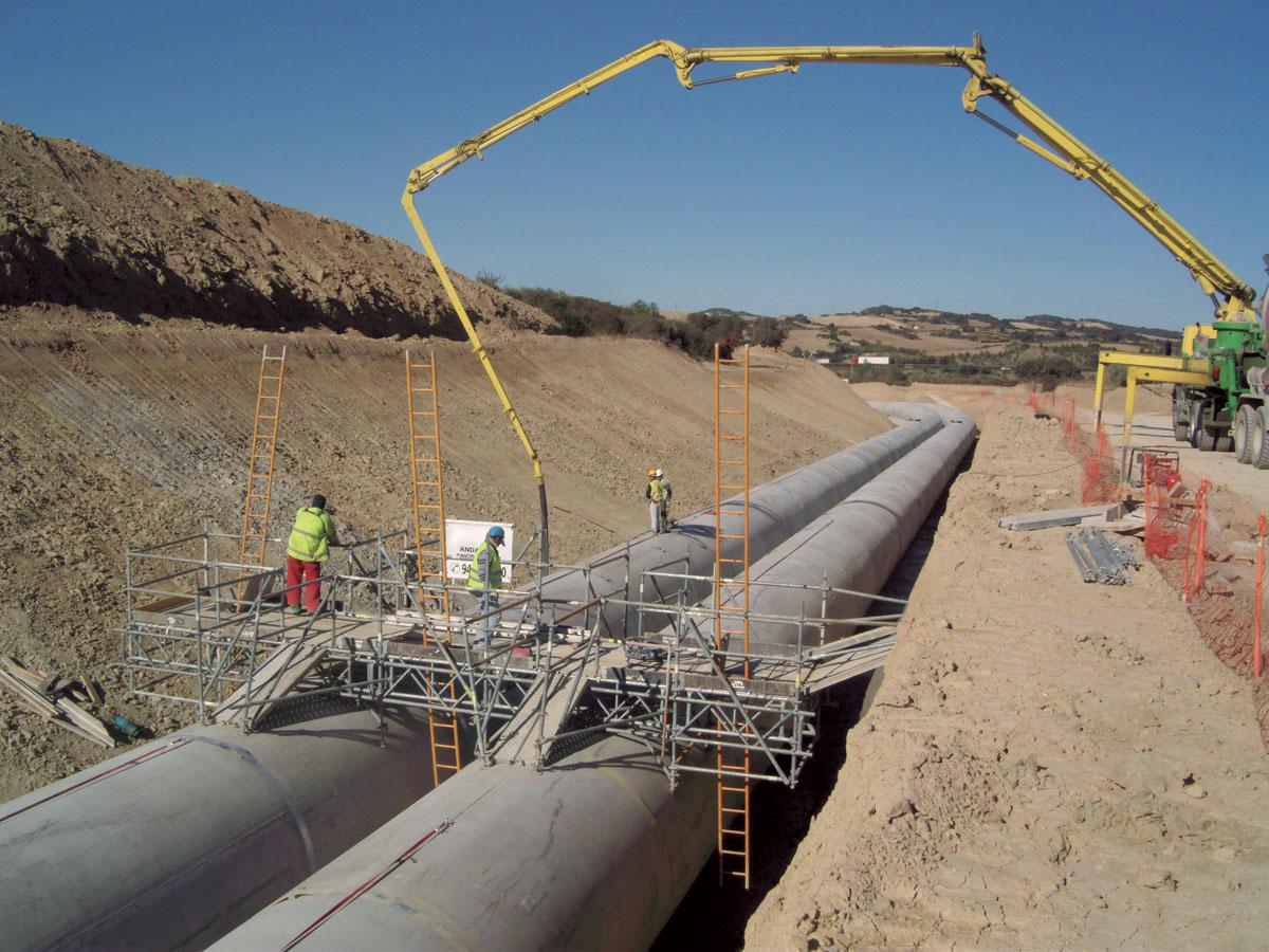 Construcción de tramos del Canal de Navarra