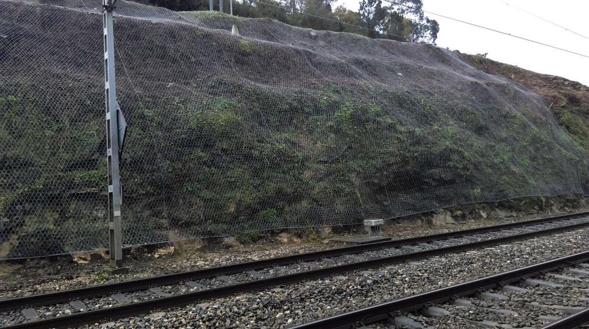 Reparación De Desprendimientos. Línea Monforte-Vigo