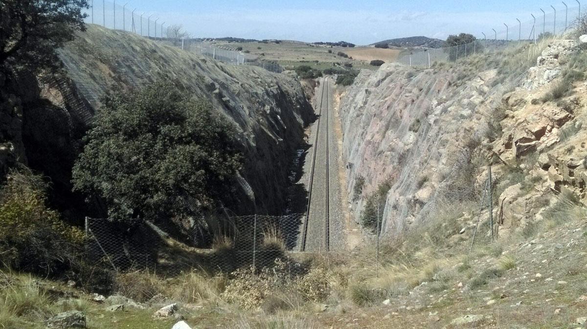 Reparación de desprendimientos. Línea Ávila-Salamanca