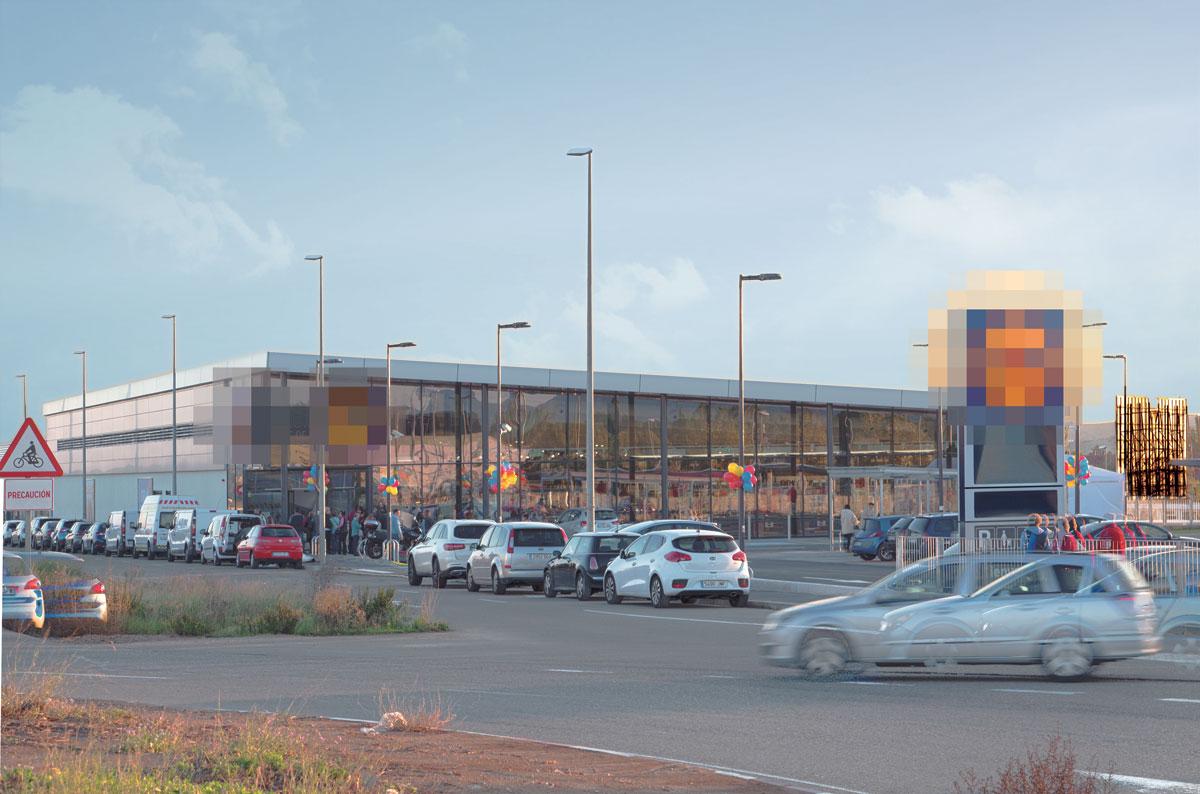 Hipermercado de firma internacional (Zaragoza)